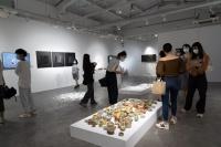 """""""手感""""中央美术学院实验艺术学院青年教师展,一次对陶瓷材料与工艺的实验性探索"""