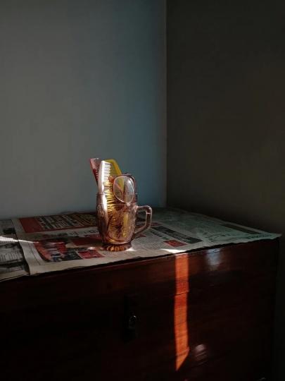 2021年第三届1839摄影奖评委会特别奖得主吕悦(南京艺术学院)《慢慢地》之一 摄影