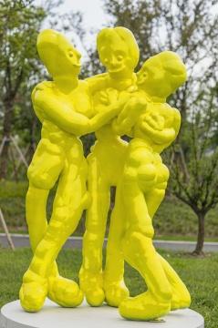 颜石林《美惠三女神》H240×130×80cm 树脂 2020