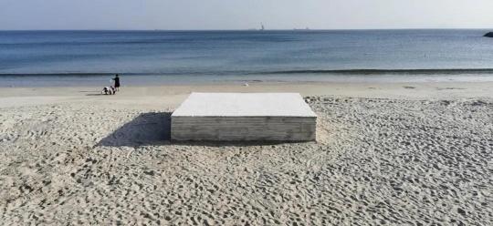 沈少民 《海的纪念碑1 》 诗歌20x40cm,摄影40x62cm ×3(件) 手写纸本,收藏级相纸