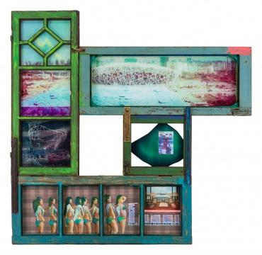 李青 《从盘古大观眺望》 136×140×6.5 cm 木、金属、有机玻璃、油彩、丙烯、喷漆、马克笔、衣物、印刷品 2017-2019