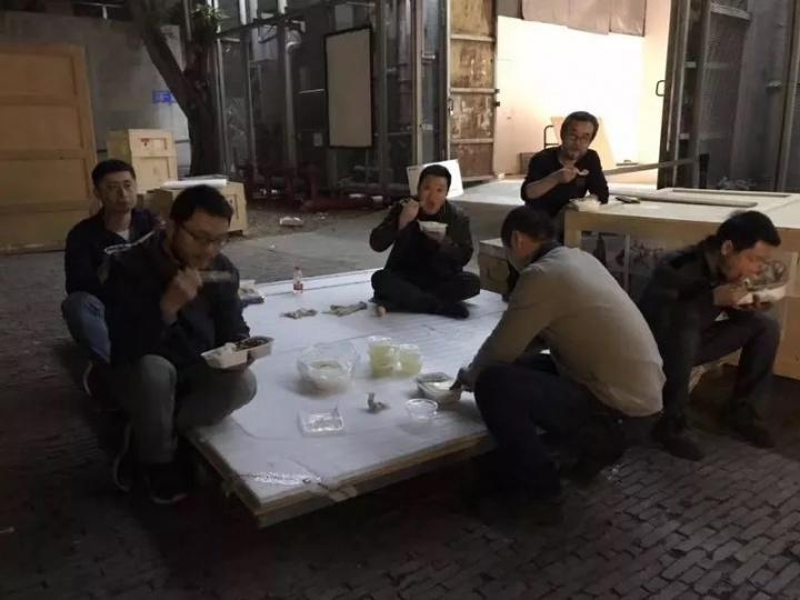"""2018年在隋建国个展""""'体系':隋建国 2008—2018""""布展深圳OCAT"""