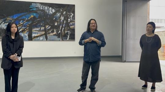 策展人文迪、艺术家张伯世、馆长潘新竹